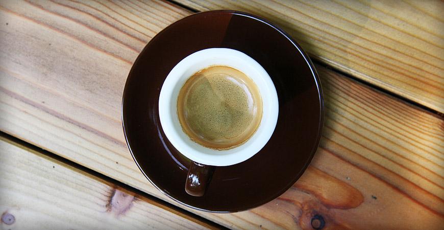 Kaffeetasse auf dem Gelände des Kletterwald München