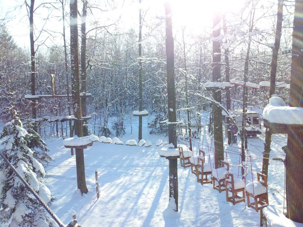 Ein Element aus Parcours Nummer eins, die Stühle im Winter leicht verschneit.