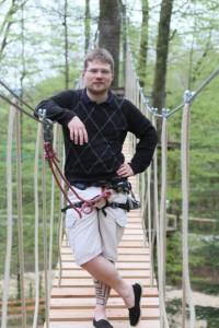 Kletterwald München Teammitglied Mario im Flying Fox Parcours