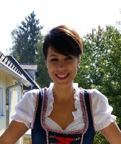 Kletterwald München Teammitglied Ginie im Dirndl